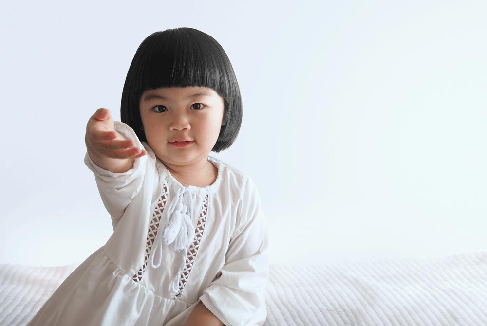 3 Cara Membuat Rambut Hitam, Tebal, dan Bercahaya