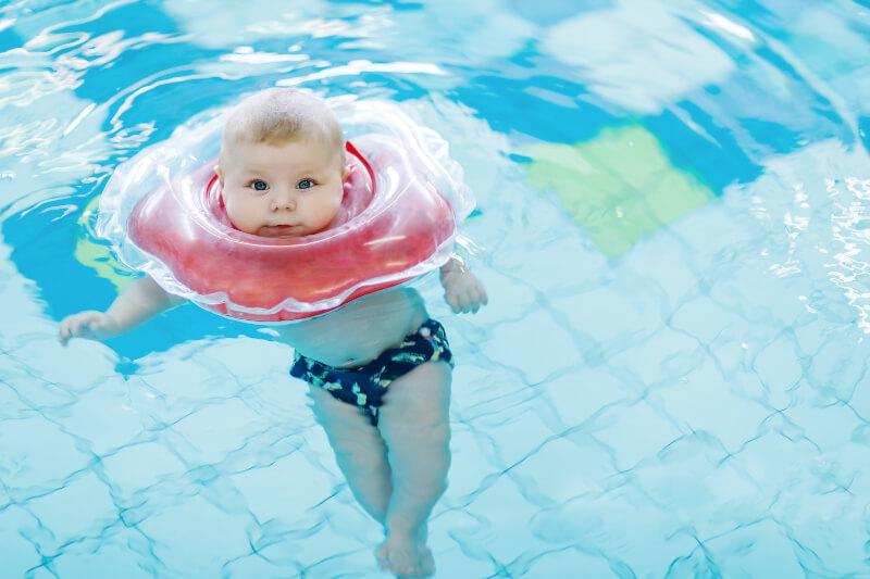 Awas! Pelampung Leher Bisa Berbahaya Untuk Bayi