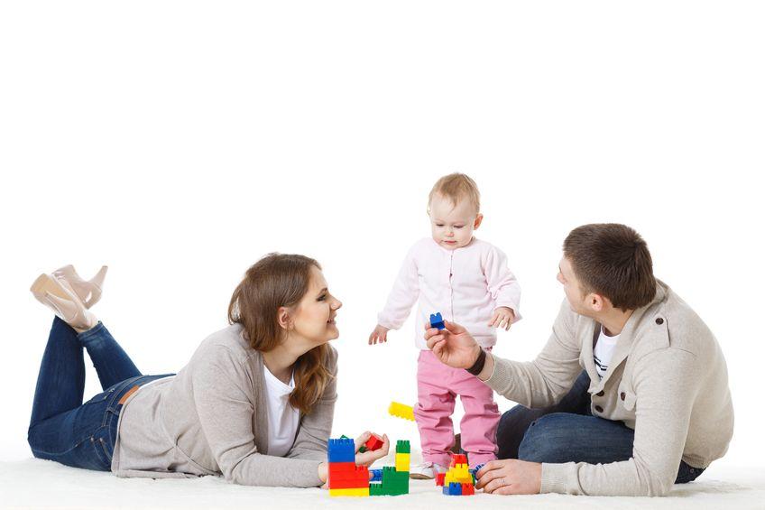 Beda Peran Ayah & Bunda  dalam Mengasuh Anak