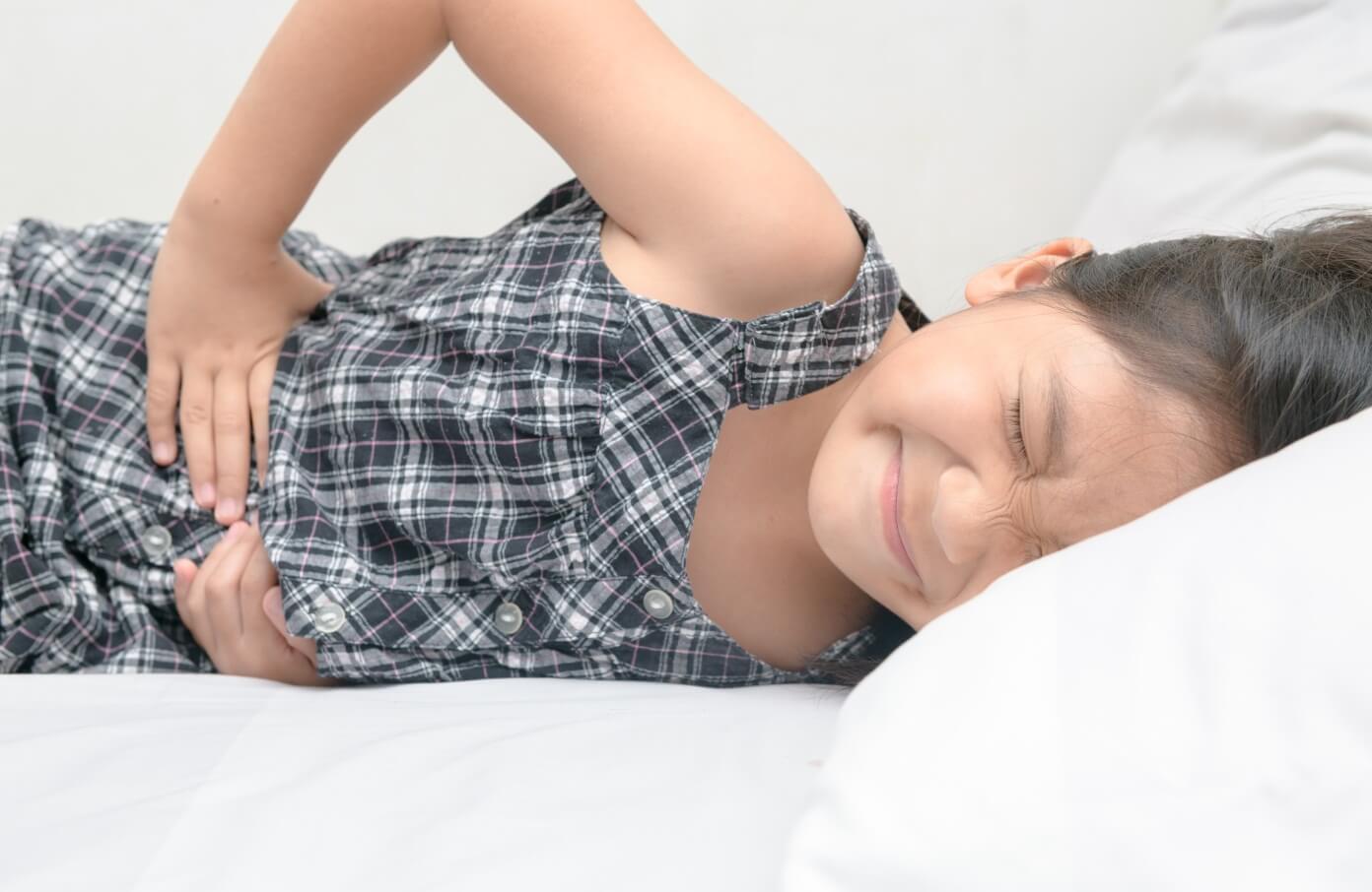Kenali Ragam Sakit Perut Pada Anak, Gunakan Minyak Kayu Putih untuk Meredakan Sakit Perut