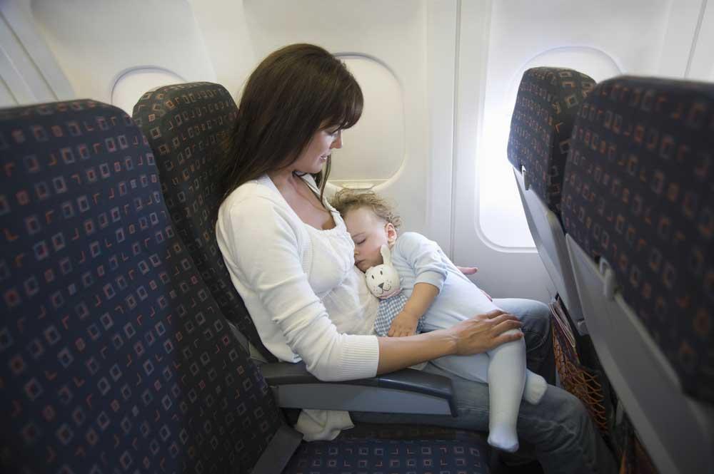 Ini Yang harus Dilakukan Supaya Bayi Tidak Rewel di Perjalanan
