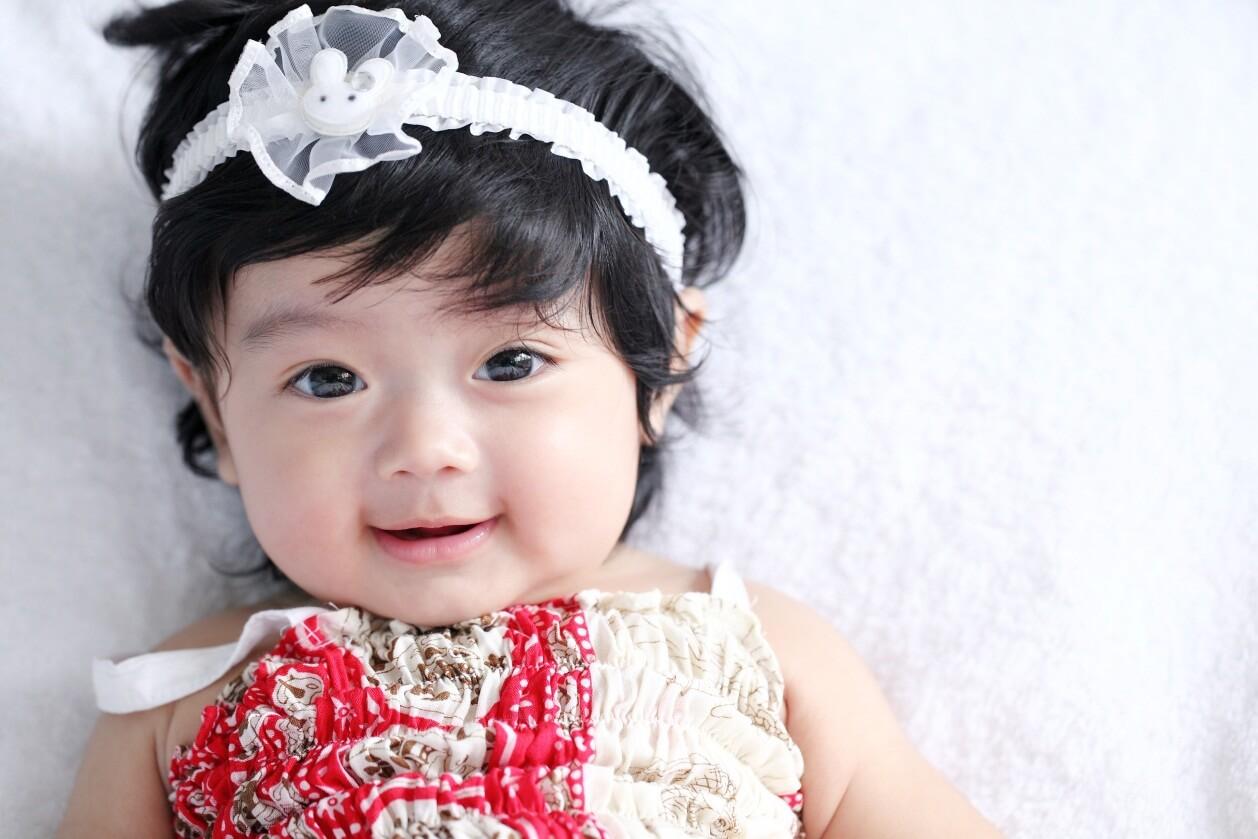 Rambut Bayi masih sedikit? Berikut Cara melebatkan rambut bayi secara alami