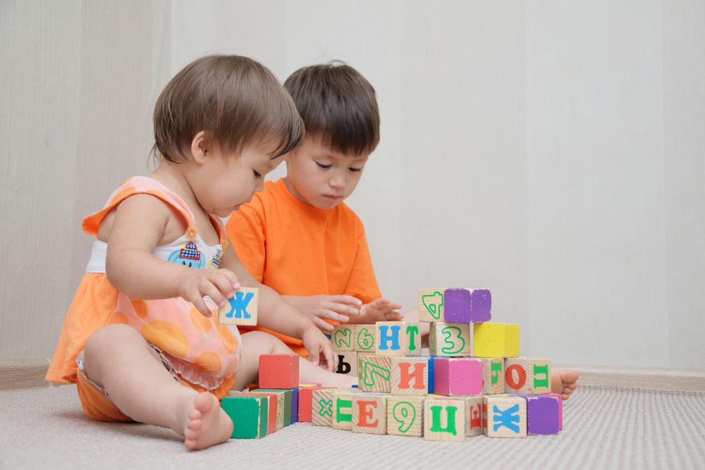 Kebutuhan Tubuh Kakak Adik yang berbeda Bagaimana Menyiasatinya?