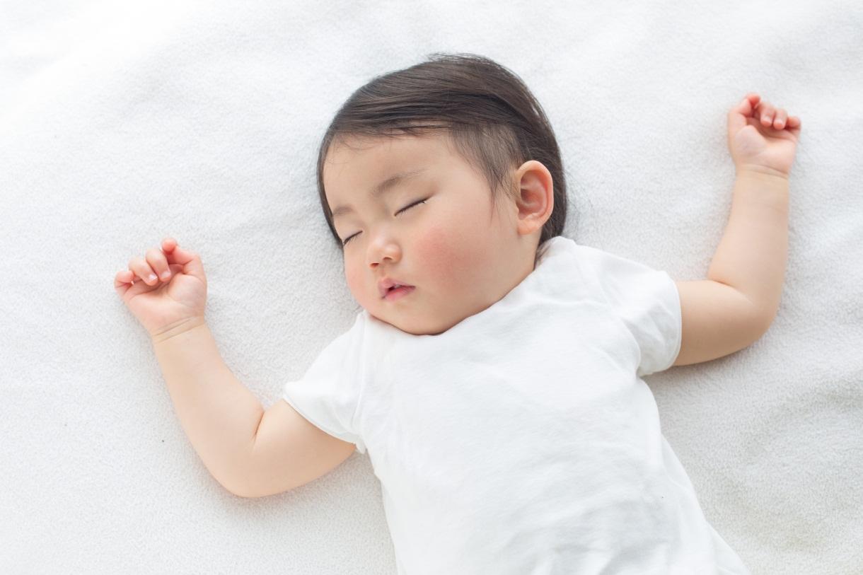 Kehangatan Minyak Telon Plus MY BABY di Musim Hujan