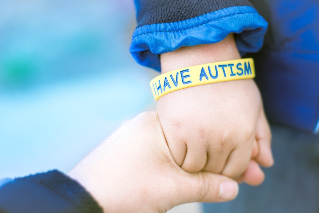 Kenali Gejala Awal Autisme pada Si Kecil