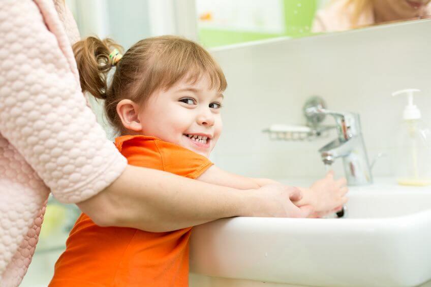 Membiasakan Si Kecil Menjaga Kebersihan