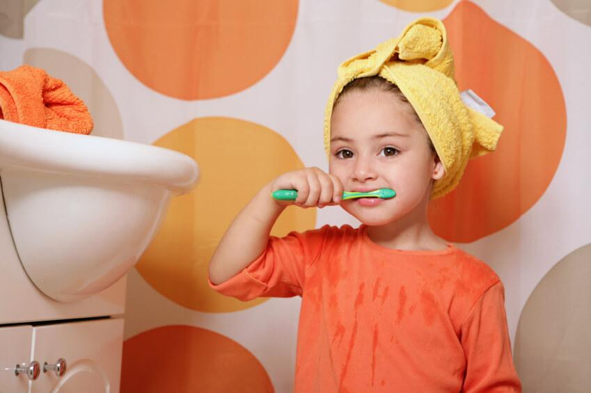 Memilih Sikat Gigi untuk Anak