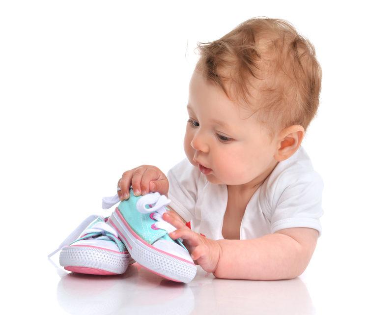 Mengenal dan Memilih Sepatu Bayi