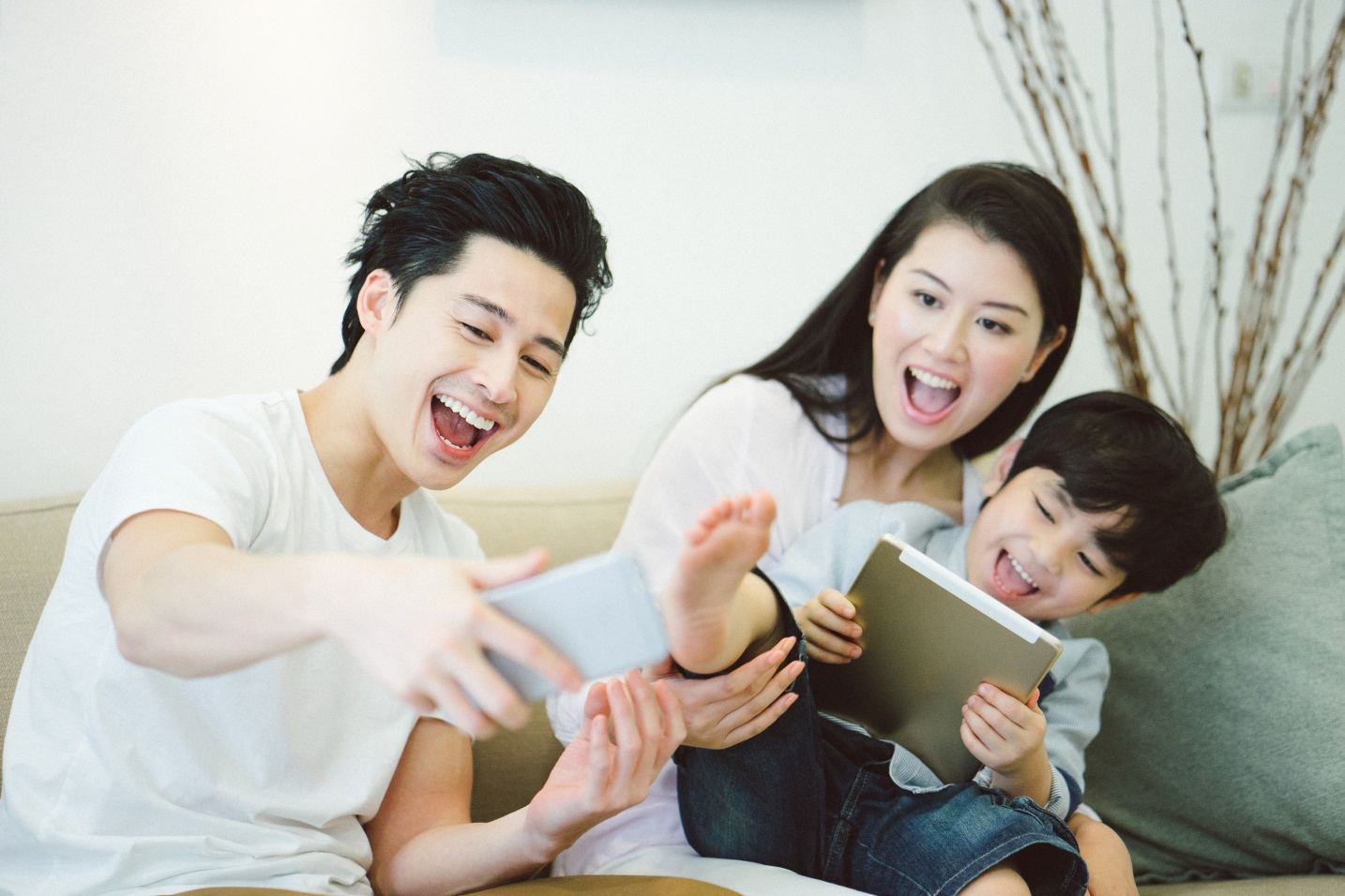 Menjadi Orang Tua di Era Digital