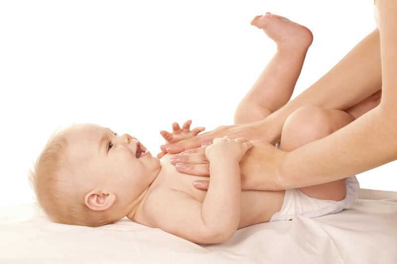 Memilih Bedak yang Aman untuk Bayi Baru Lahir