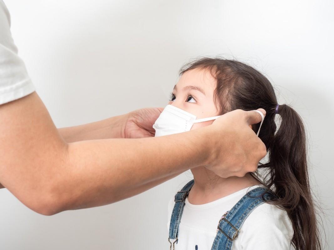 Perlu Diketahui Rekomendasi Kemenkes tentang Masker Medis untuk Anak