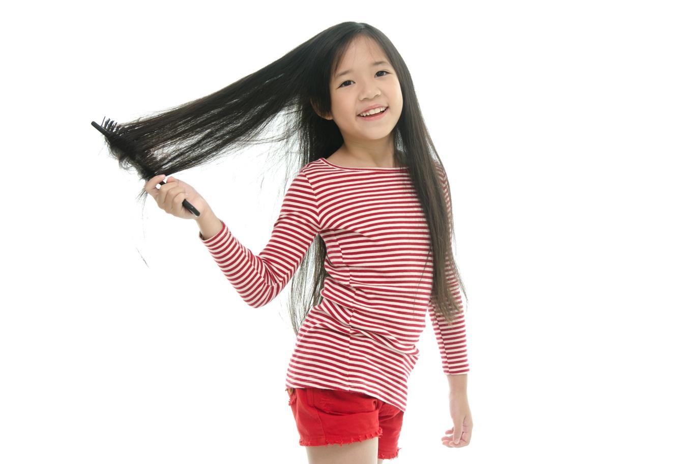 Tiga Alasan mengapa Rambut Kering Si Kecil Harus Menggunakan Shampoo Anak