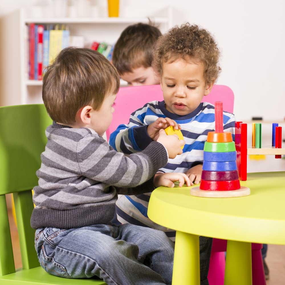 Tips Mengatasi Anak Yang Tidak Mau Berbagi Mainan