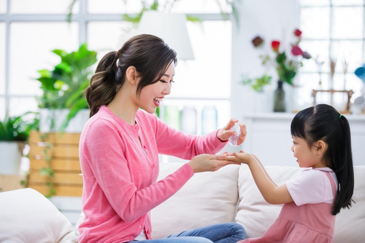 Tips Gunakan Hand Sanitizer untuk Anak