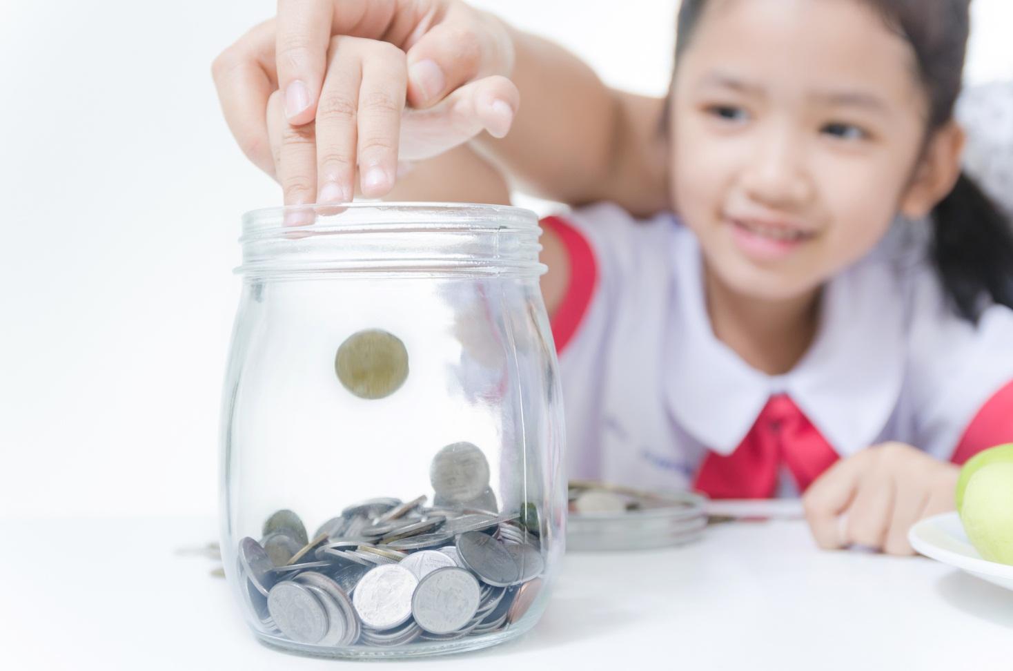 Tips Kelola Uang Lebaran si Kecil