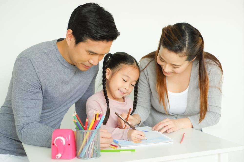 Tips Kerja Sama Orang Tua dalam Mendidik Anak Selama di Rumah