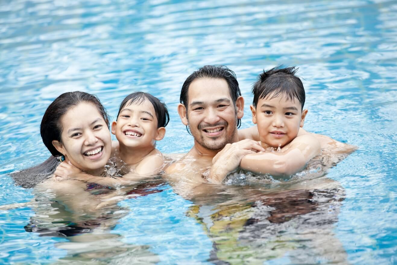 Tips Menghangatkan Anak Setelah Berenang