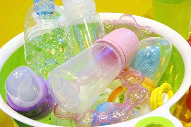 Cara Sterilkan Perlengkapan Makan dan Minum Bayi