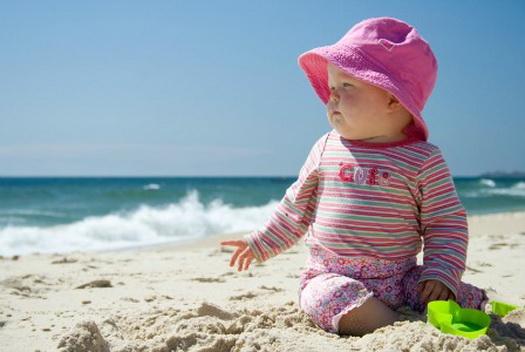 Lindungi Bayi dari Bahaya Sinar Matahari