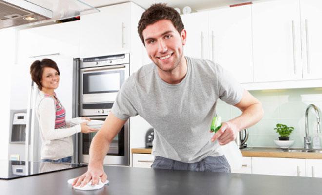 Tips Berbagi Tugas Rumah Tangga dengan Suami